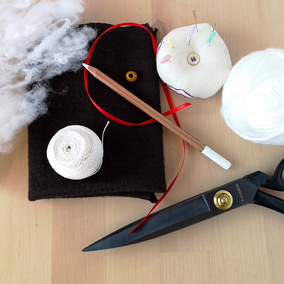 Christmas ornament DIY tools