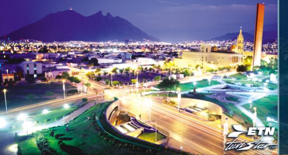 Monterrey Macroplaza de Noche