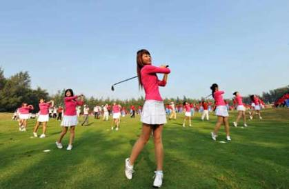 Ritz-Carlton swings into Hainan Island with first golf resort in China