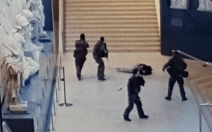 "Louvre evacuated after man shouts ""Allahu akhbar"", attacks army patrol with machete"