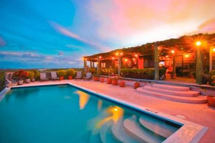 Anguilla signs MOU to promote accommodation experiences