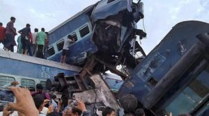 At least 10 killed and over 100 wounded in India train derailment
