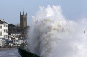 Heavy damage: Storm Brian clobbers Ireland, British coastal towns