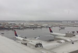 Delta Air Lines: 1000 flights canceled Friday, 350 on Saturday due to a winter storm