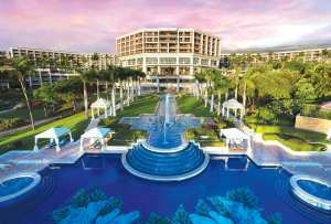 Hawaii Tourism: Grand Wailea bought for 1.1 billion dollars
