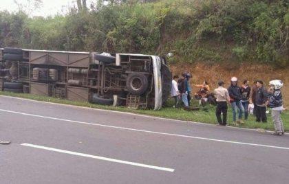 27 killed and 16 injured in Bali bus crash