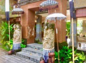Bali's saput poleng - holy black and white checks