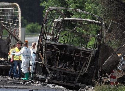 1 dead, 18 injured: Belgian tour bus collides with truck in Bavaria