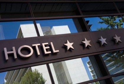 Larger hotels respond to pressure from alternatives, Internet travel services dip