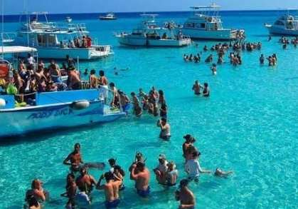 Cayman Islands welcomes record 1.3 million visitors in first half of 2018