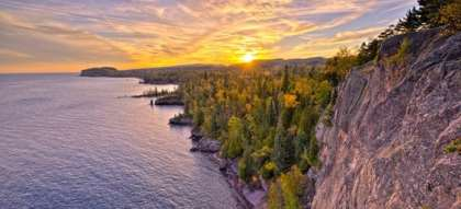 Enjoy the thrill of a camping trip to Tettegouche State Park Beach