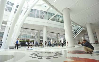 Cracked beam at San Francisco Transit Center: New tourist attraction?