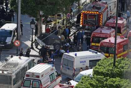 9 people injured in terrorist attack near hotel in downtown Tunis
