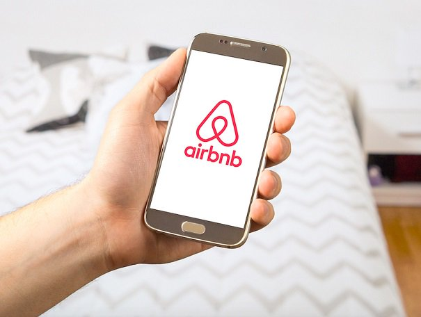 Airbnb fights back after opponents circulate fake news