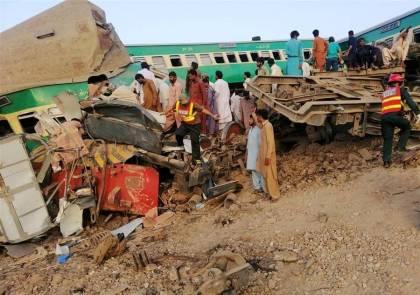 13 killed, over 70 injured in Pakistan train crash