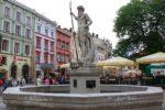 Фонтан Нептуна на площади Рынок