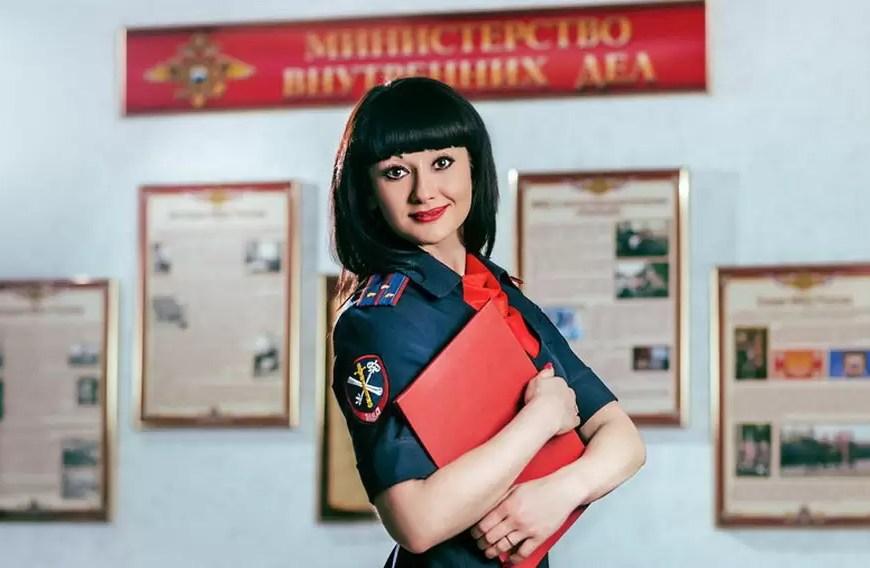 """Сотруднице нефтеюганской полиции достался титул """"Мисс симпатий"""""""