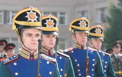 20 югорчан отправятся служить в Президентском полку