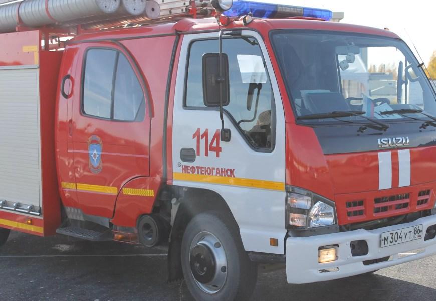 Из СОШ №3 Нефтеюганска эвакуировали 1 300 человек