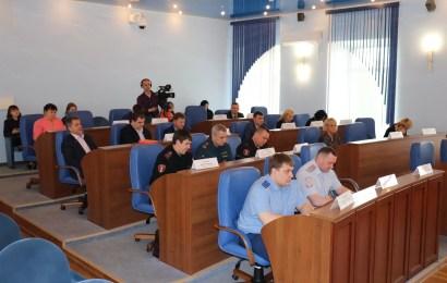 В администрации Нефтеюганска состоялось заседание антитеррористической комиссии.