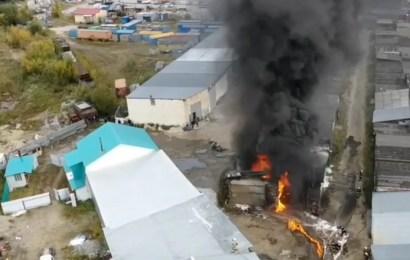 В Нефтеюганске один человек пострадал во время пожара в гаражном боксе