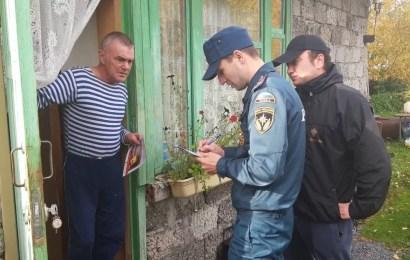 В Нефтеюганске пожарные и общественники проверили дачные кооперативы
