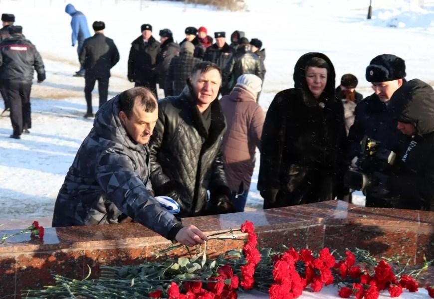 В Нефтеюганске помянули погибших сотрудников МВД