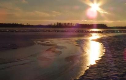 Аномальное явление: лед по Оби плывет, как весной