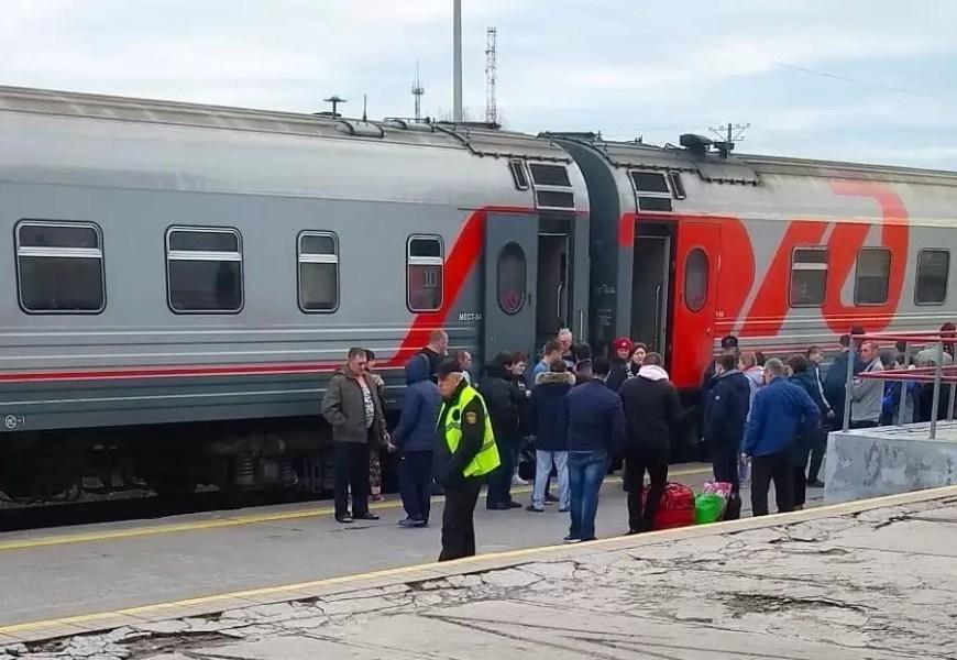Из-за COVID РЖД меняет расписание поездов, следующих через Югру