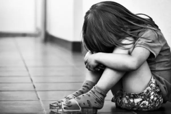 Директора одной из спортшкол Нефтеюганского района подозревают в педофилии. Он якобы насиловал свою падчерицу, когда ей было 6 лет — это продолжалось, пока девочке не исполнилось 12 лет.
