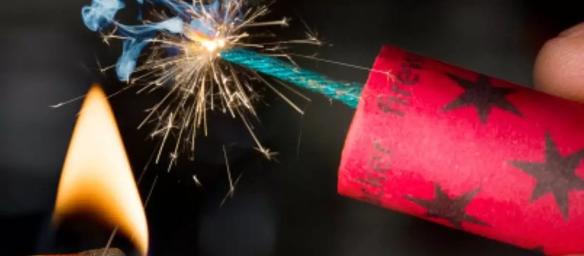 Как запустить фейерверк и не испортить себе праздник? Советы спасателей.