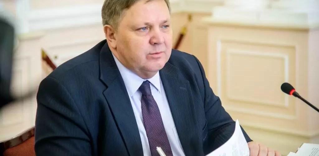 Первый заместитель губернатора Югры Геннадий Бухтин умер от коронавируса