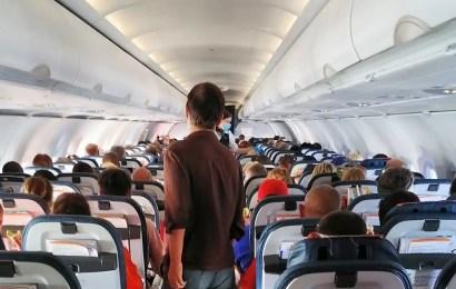 Ростовская полиция задержала жителя Нефтеюганска за пьянство на борту самолета