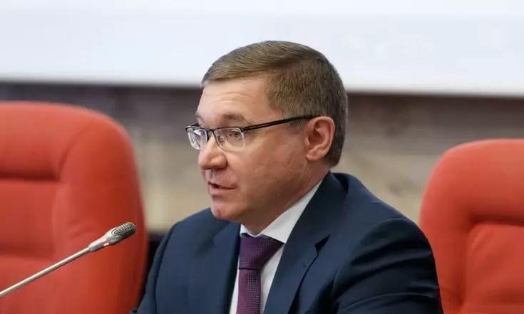 Владимир Якушев рассказал, когда можно будет отменить масочный режим