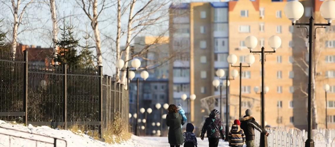 В России продлили льготы по отпуску для многодетных родителей