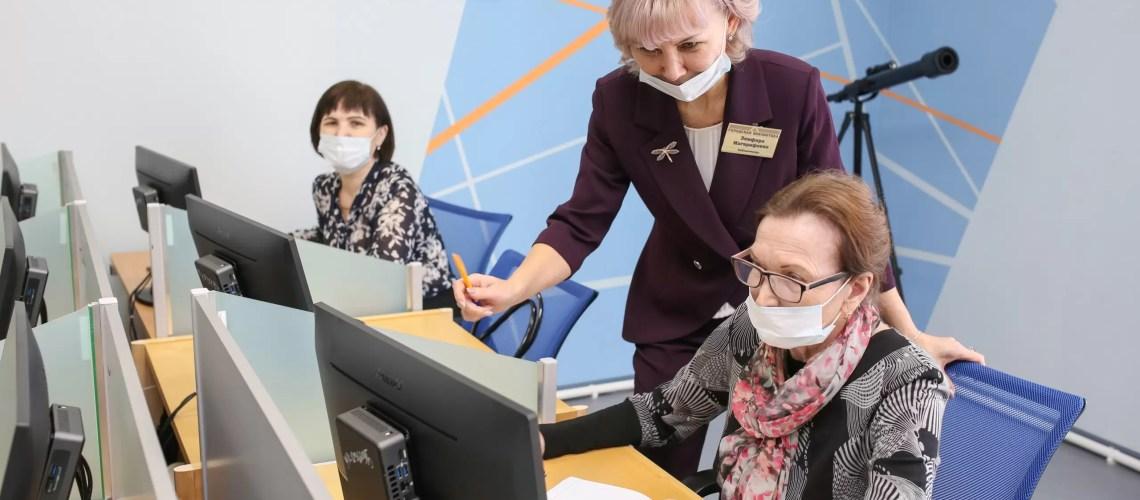 """""""IT-Тимуровцы"""". В городской библиотеке состоялось открытие нового проекта для людей разных возрастов."""
