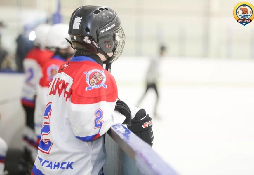 """На хоккейном корте сегодня прошло """"Закрытие зимнего сезона 2020-2021""""."""