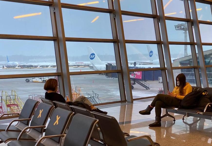 В российских аэропортах отменят авиабилеты для пассажиров