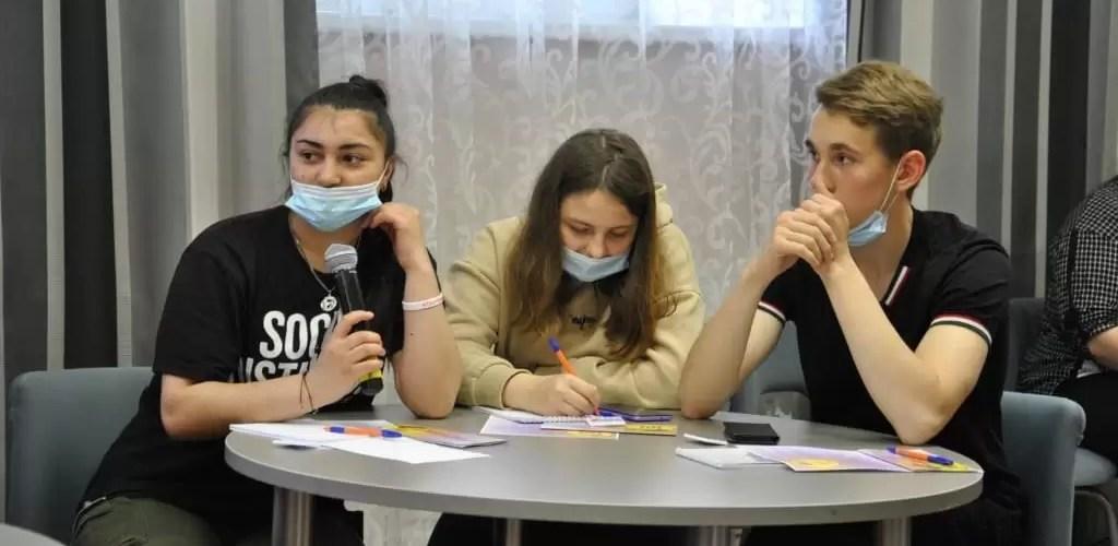 В Нефтеюганске сотрудники полиции рассказали молодежи о вреде наркотиков