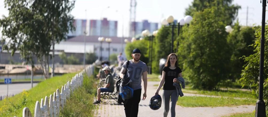Почти 70% россиян заявили, что экономят на развлечениях, одежде и походах в кафе