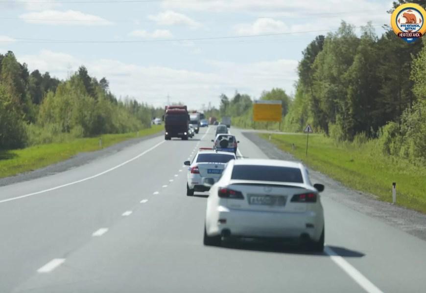 В России призвали ужесточить наказание за пользование телефоном за рулем