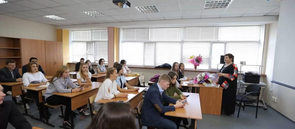 В Югре снижают бюрократическую нагрузку на педагогов