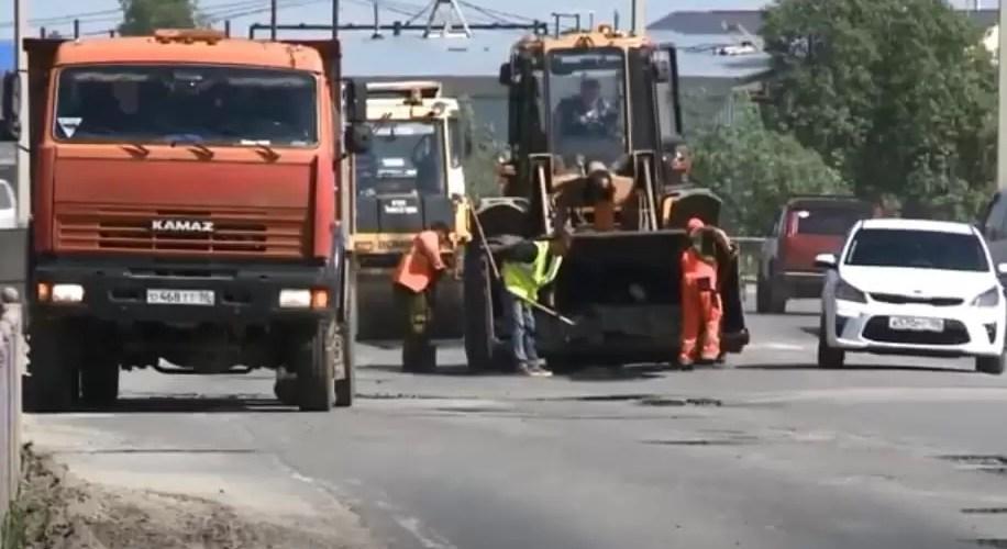 В Нефтеюганске приступили к замене асфальтового покрытия на нескольких улицах города