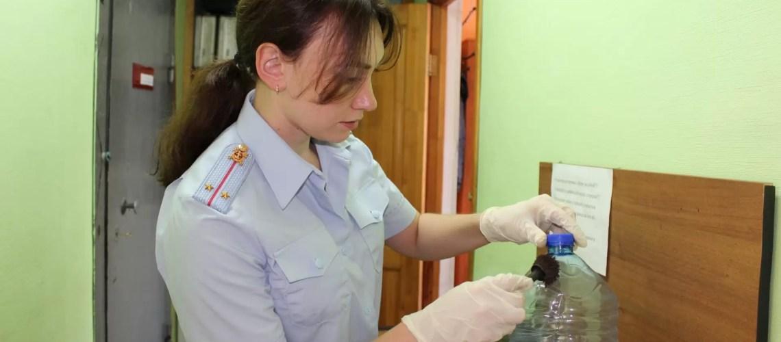 Благодаря работе экспертов-криминалистов в Нефтеюганске задержан местный житель, похитивший золотые изделия и денежные средства.