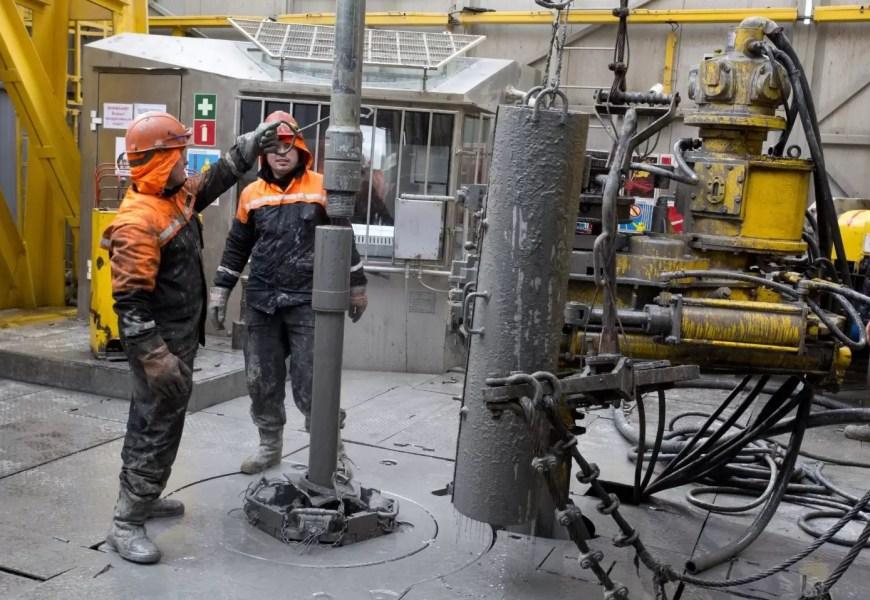 В Югре добыли свыше 140 тонн нефти за 8 месяцев этого года