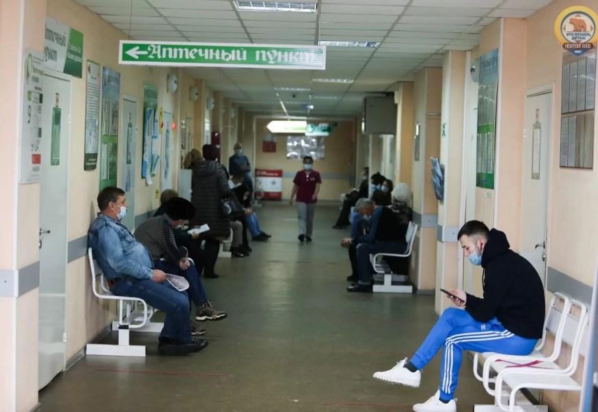 В Югре из-за ковида приостановили медосмотры и диспансеризацию для определенных групп населения