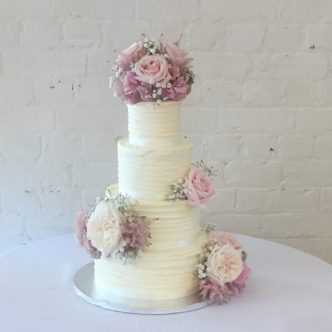 Buttecream Wedding Cake with Fresh Roses