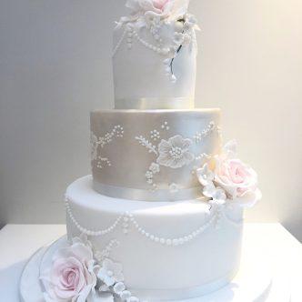 Rose and Piping Wedding Cake