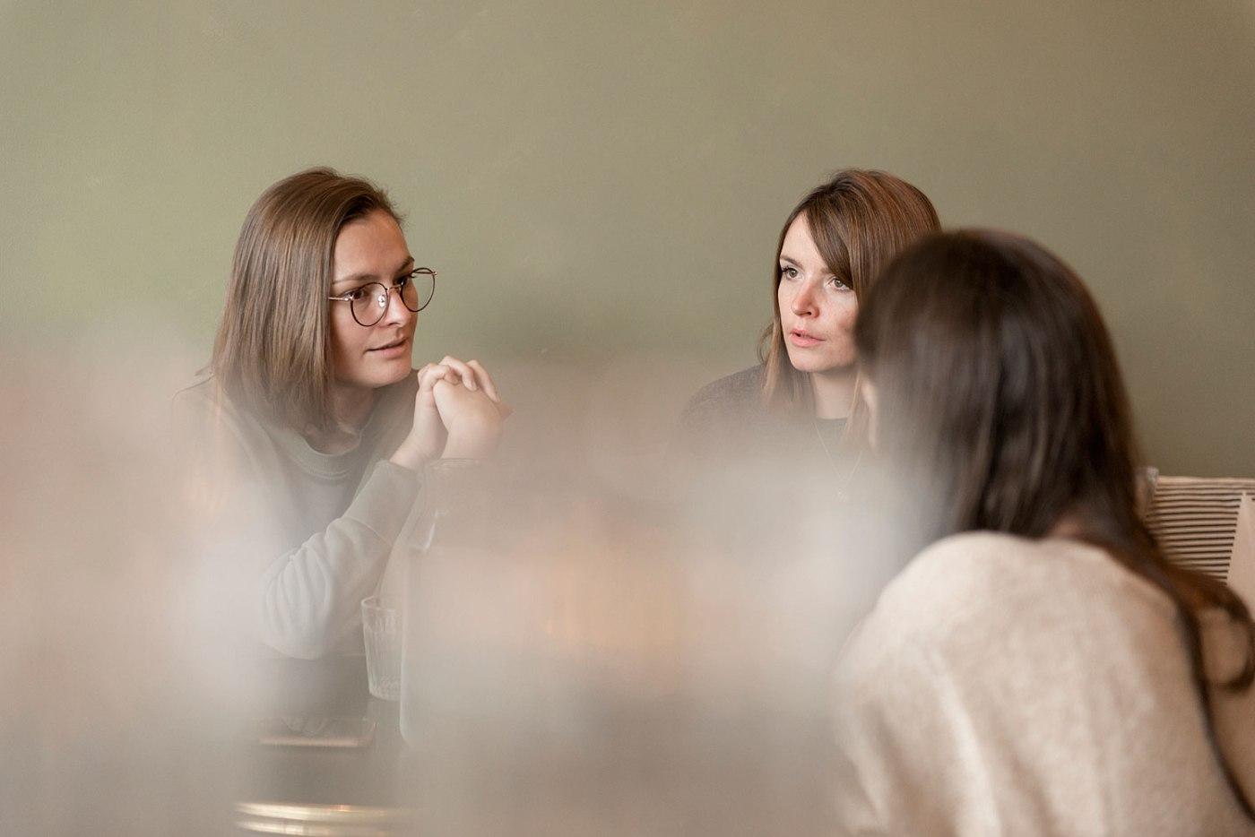 fanny-tourme-clarisse-guiho-etonnantes-solenn-cosotti-remy-lidereau-kinfolk-coffee-shop-interview