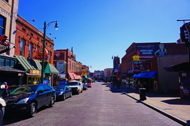 La rue Beale, au centre de Memphis